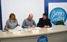 Signatura del conveni de Yolanda Lorenzo, alcaldessa de Vilanova del Vallès, Sergi Mingote, president del Consorci Besòs Tordera i José Antonio Montero, alcalde de Montornès del Vallès)