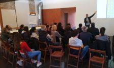 reunió taller joves